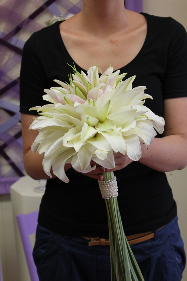 new bridal bouquet designs martin 39 s the flower people. Black Bedroom Furniture Sets. Home Design Ideas
