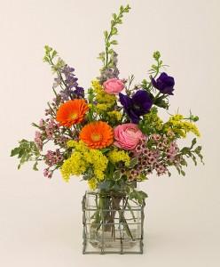 Bright, casual floral design