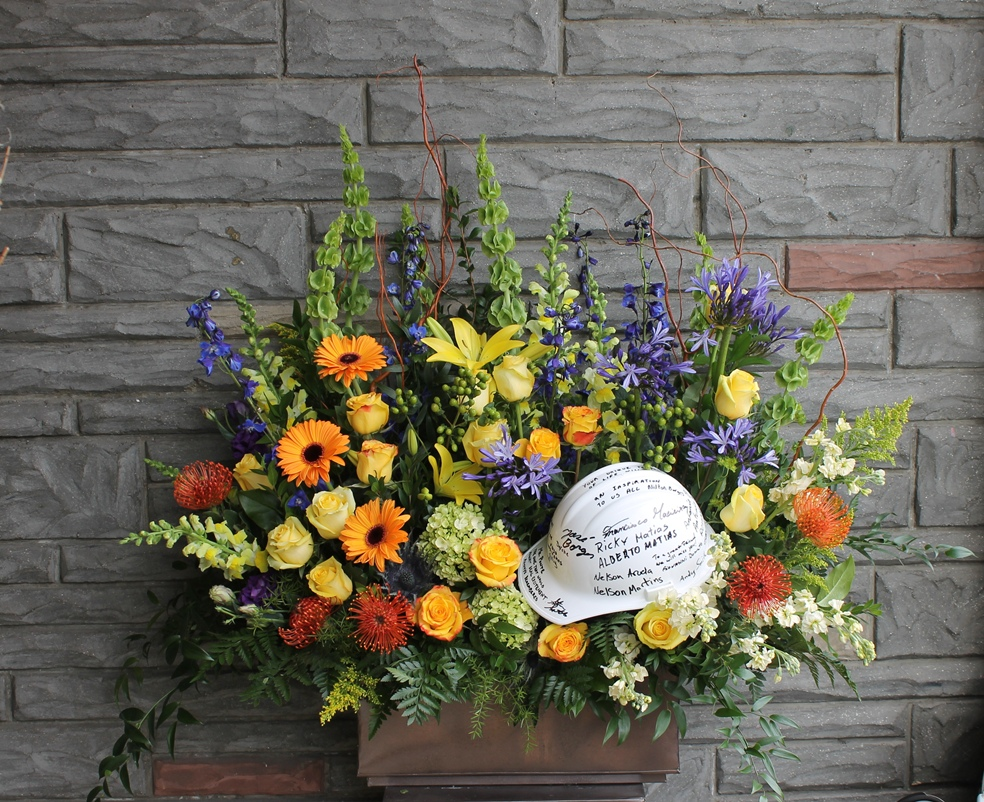 Flower arrangements created by martins the flower people for flower arrangements created by martins the flower people for funeral homes or residences izmirmasajfo