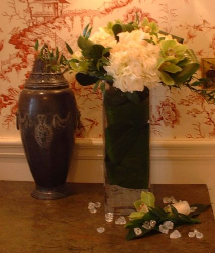 Hall Table Vase Arrangement